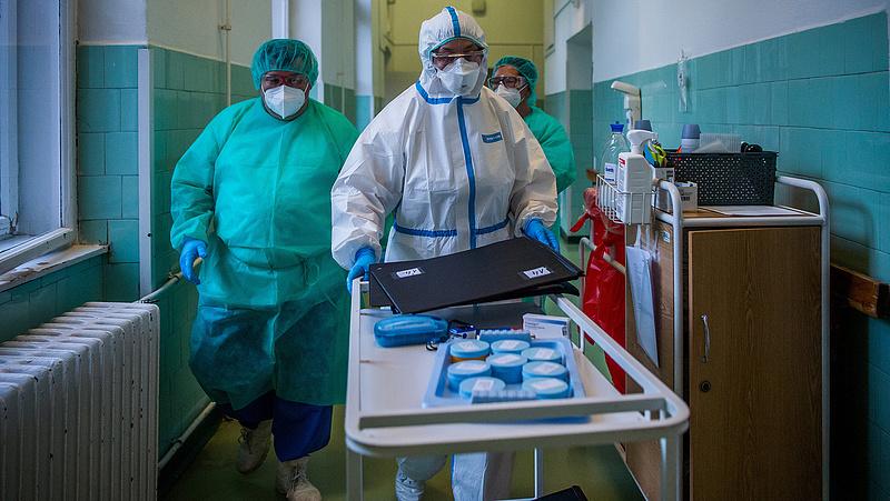 Koronavírus: két ember életét vesztette, hat új fertőzöttet azonosítottak