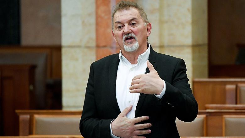 Motorbalesetben meghalt egy fideszes parlamenti képviselő
