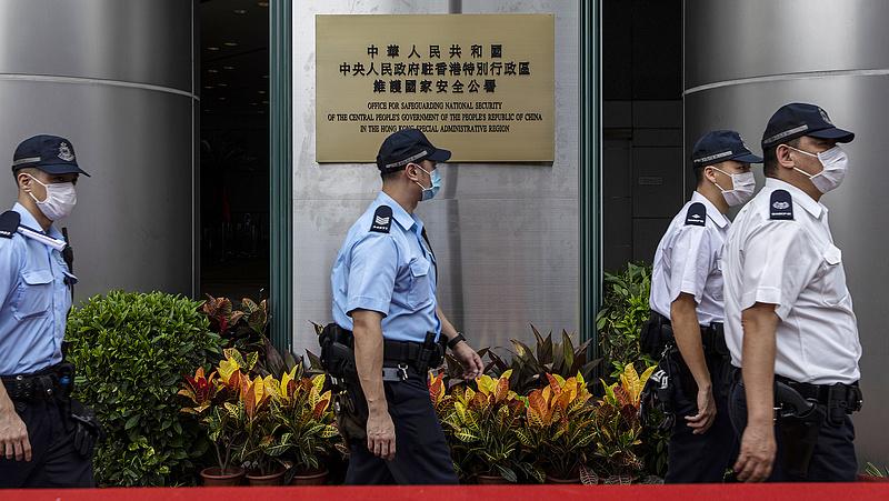 Lecsaptak a kínai hatóságok: megszűnik az Apple Daily hongkongi lap