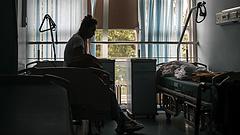 Koronavírus: tömegesen megfertőződtek egy idősotthon lakói, a hozzátartozókat nem értesítették