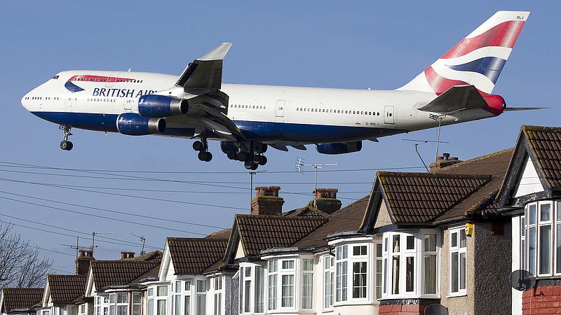 Az olaj lefelé fordult, de a légitársaságok alá erősen befújt a szél a nyugat-európai tőzsdéken