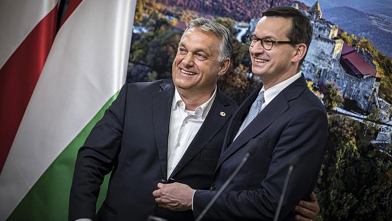 Morawiecki uniós furkósbottal száll szembe