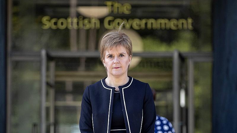 Katasztrofális ütemérzékkel esett neki Johnson a skótoknak