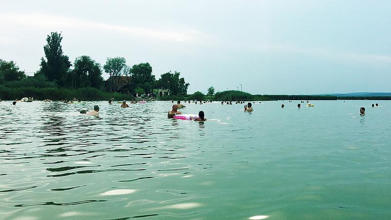 Ilyen fejlesztéseket végeznek a Velencei-tónál