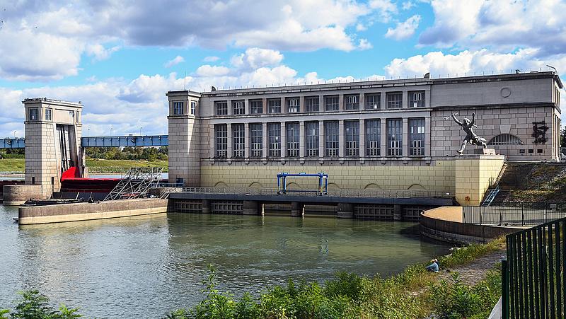 Közbeszerzések - paksi hűtővíz, infrastruktúra előkészítés, levéltár, vízlépcső