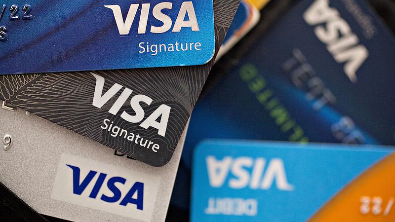 A Visa is bekeményíthet az oltatlanokkal szemben