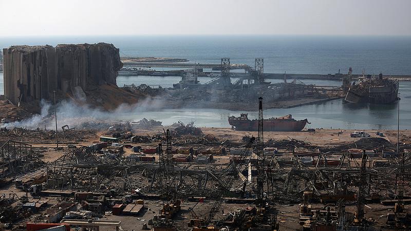 Robbanás: őrizetbe vették a bejrúti kikötő vezető tisztségviselőit