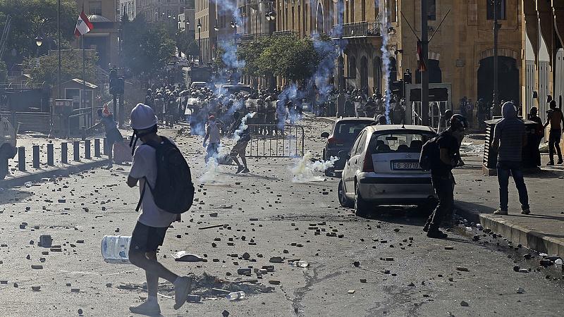 Keserűség vezette düh vitte az utcára az embereket Bejrútban