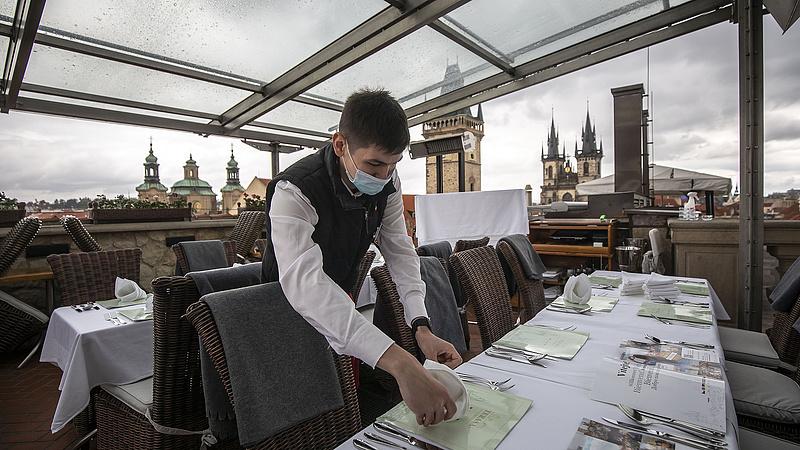 Ellenzéki sikert hozott a részleges szenátusi választás Csehországban