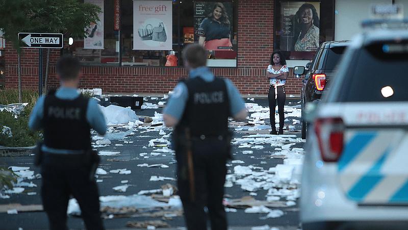 Utcai lövöldözés, fosztogatás volt Chicagóban