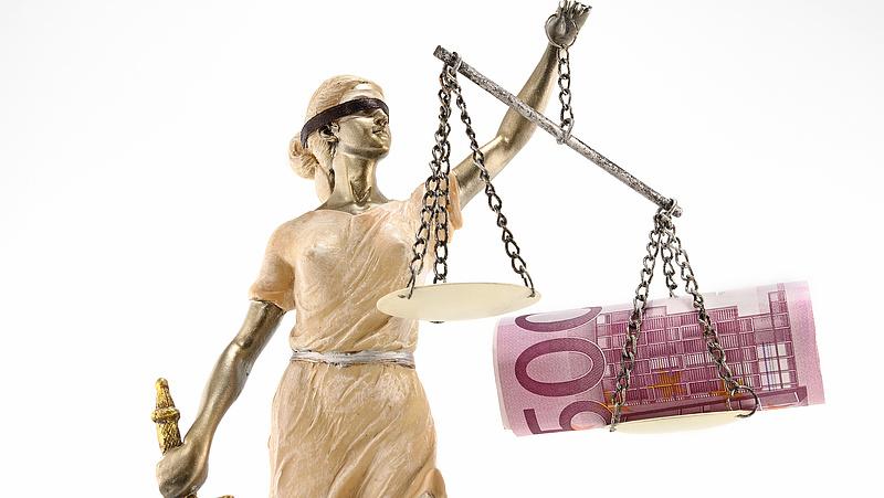 Új fegyvert ad az EU a fogyasztók kezébe a bankokkal, a telekom-, és közműcégekkel szemben