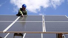 Új rekord: bemutattak egy 810 wattos napelempanelt