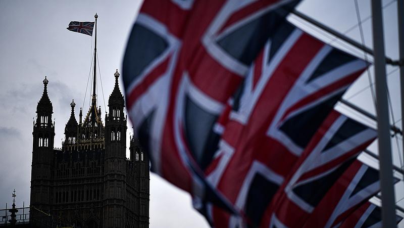 Rohamosan nő a brit munkanélküliség