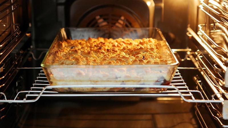 Veszélyes lehet az ünnepi sütés-főzés a konyhában, ezt tehetjük ellene