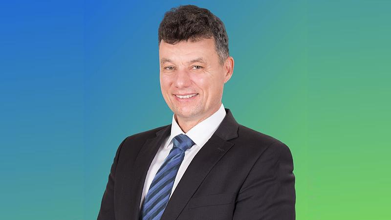 Furcsa ingatlanbizniszben a dunakeszi fideszes polgármester
