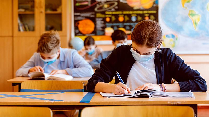 Friss számok jöttek a pedagógusok átoltottságáról