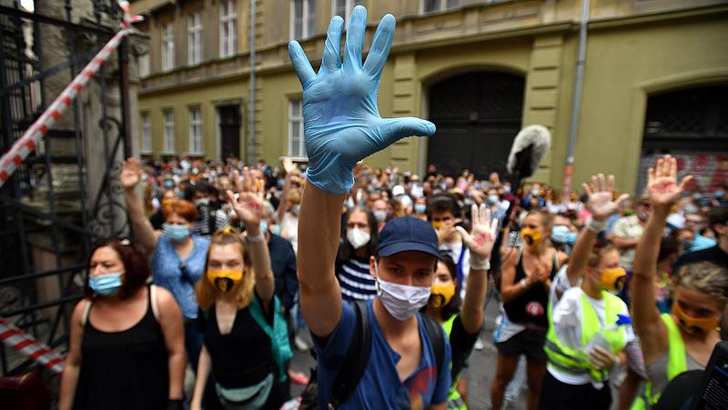 Brüsszelig ér a Színművészeti kormányzati átalakításának ügye