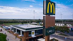 Újít a KFC és a McDonald's, de a sajtburger-pizzát megússzuk