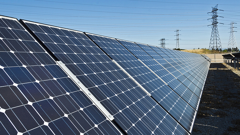 Paksnál nagyobb már a magyar napelemes potenciál, egy év alatt több mint 60 százalékos volt az ugrása