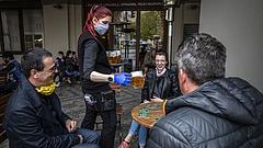Koronavírus: nagy leállás jön a cseheknél, különben november elején összeomlik az egészségügy