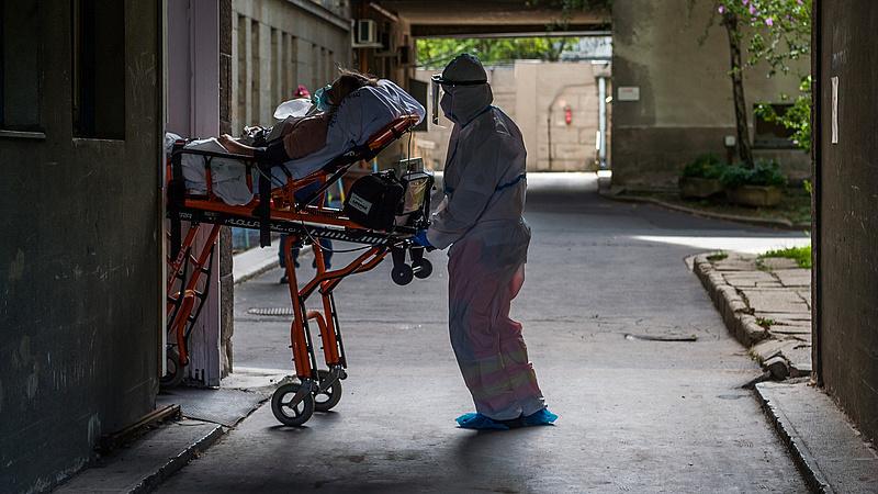 Koronavírus: meghalt 101 beteg, 91 ezer felett az aktív fertőzöttek száma
