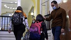 A tanárok félnek, védtelenül érzik magukat az iskolákban a járvány miatt