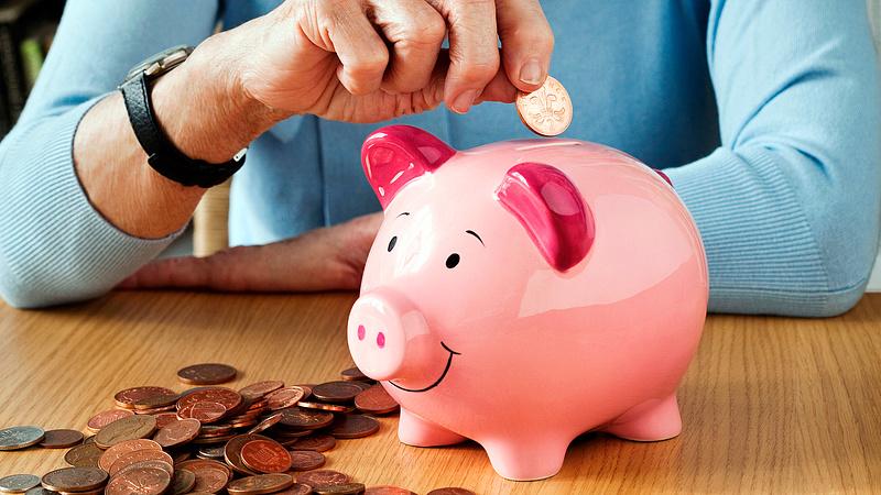 Elképesztő mennyiségű megtakarítást halmoztak fel tavaly a magyarok