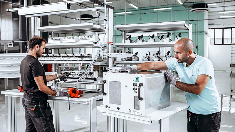 Tömeggyártás küszöbén a háztartási méretű zöld hidrogén berendezés