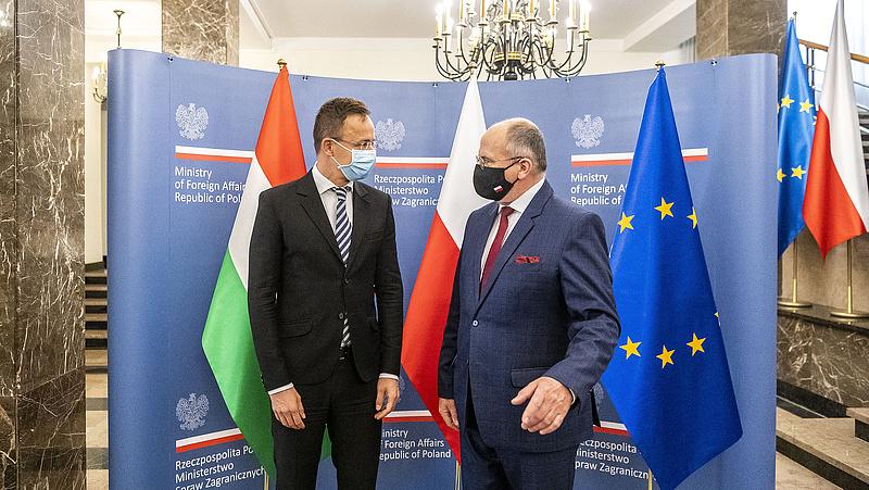 Szijjártó és lengyel kollégája megerősítette: a végsőkig harcolnak a jogállamisági feltételekkel