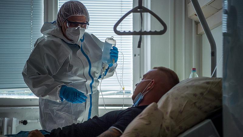 Kína újra odacsapott a koronavírusnak