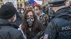 Koronavírus: akkorát javult a csehországi helyzet, hogy már lazíthatnak