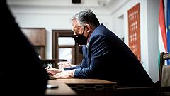 Orbán Viktor Ausztriából kér tanácsot