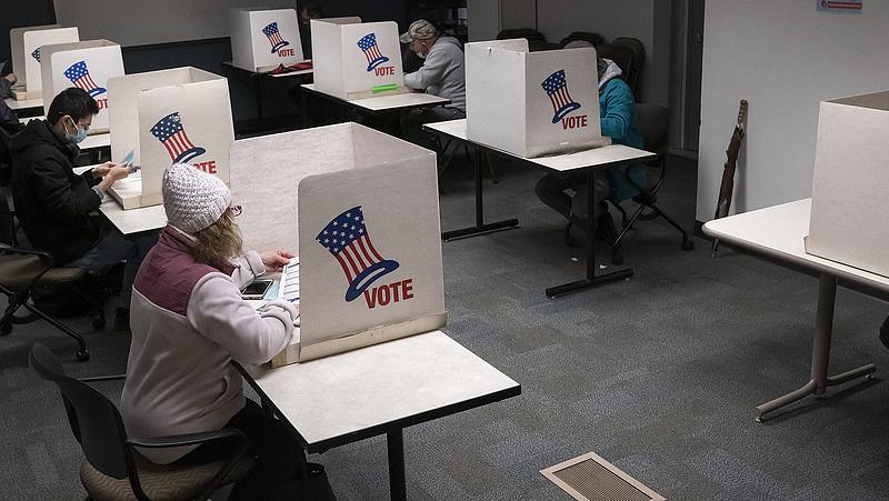 Elnökválasztás: a postában reménykednek a demokraták