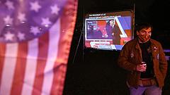 Nem bíznak demokráciájukban az amerikaiak - megpróbálhatnák az egypártrendszert