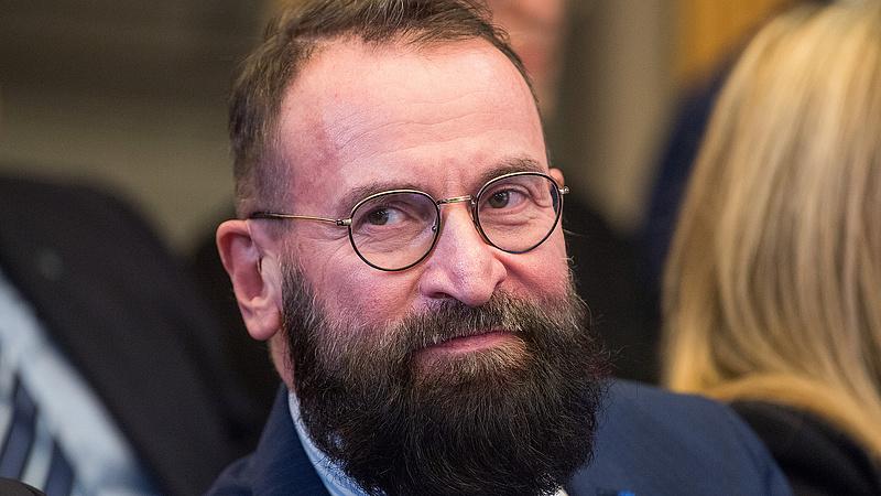 Lemondott Szájer József EP-képviselői tisztségéről