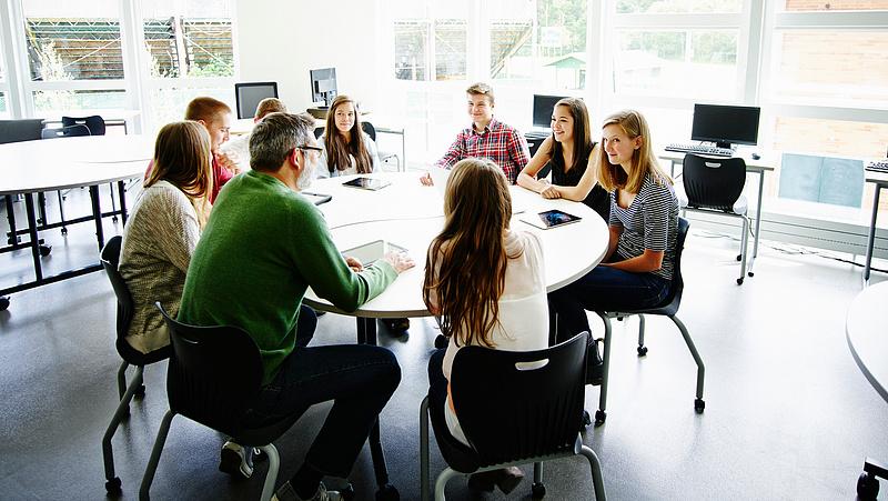 Diákoknak üzent a NAV