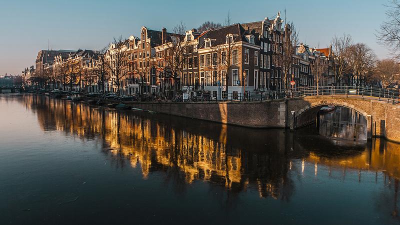 Kezdődik: zárnak a klubok, szigor jön a vendéglátóhelyeken Hollandiában