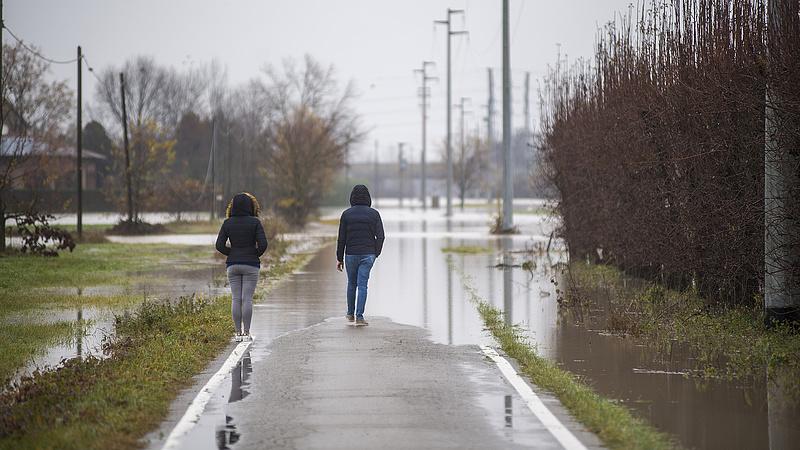 Olaszországgal az időjárás is elbánik a járvány mellett