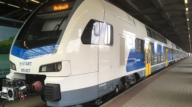 Így változik a menetrend a MÁV-nál és a Volánnál augusztus 20-án