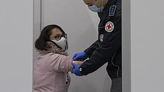 Vakcina: felmérték, mennyire oltáspártiak a Fidesz, a DK és a Jobbik szavazói