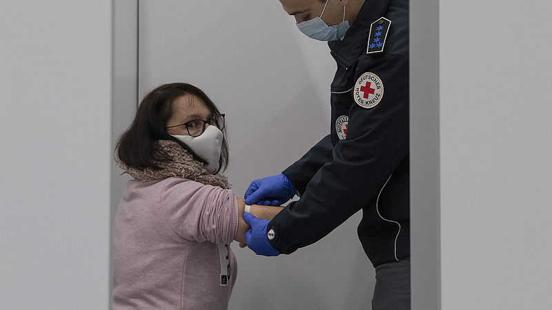 Ekkorra érheti el Magyarország a nyájimmunitást egy virológus szerint