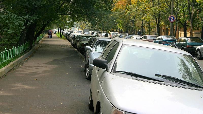 Büntetés járhat a szabályosnak tűnő parkolás miatt - érdemes figyelni erre!