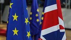 Kitolják a brexittárgyalások határidejét