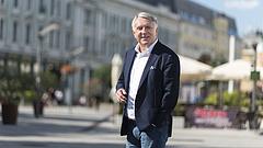 Titokzatos dokumentumokkal védené magát a magyar milliárdos