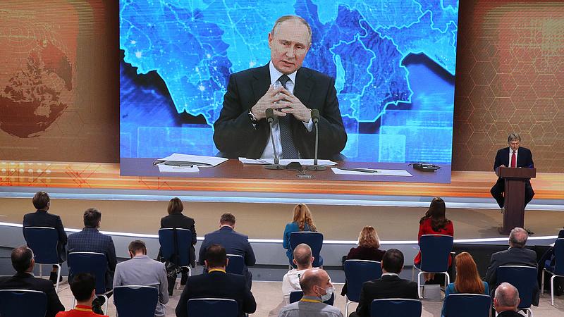 Ezt az orosz medvét már nem fogják megszelídíteni, de lehet kézből etetni
