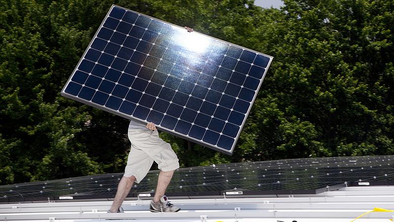 Karácsonyék tízmillió négyzetméternyi napelemmel zöldítenék Budapestet