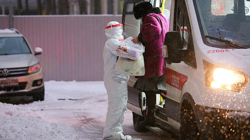 Oroszországban már a lakosság 2 százaléka elkapta a koronavírust