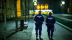 Kétségbeejtő helyzetben a rendőrök