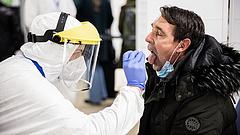 Koronavírus: drámaivá fokozódik a helyzet a cseh kórházakban