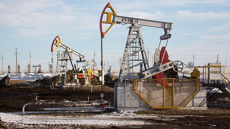 Hatszázezer forintot szakítanak a romániai olajbányászok